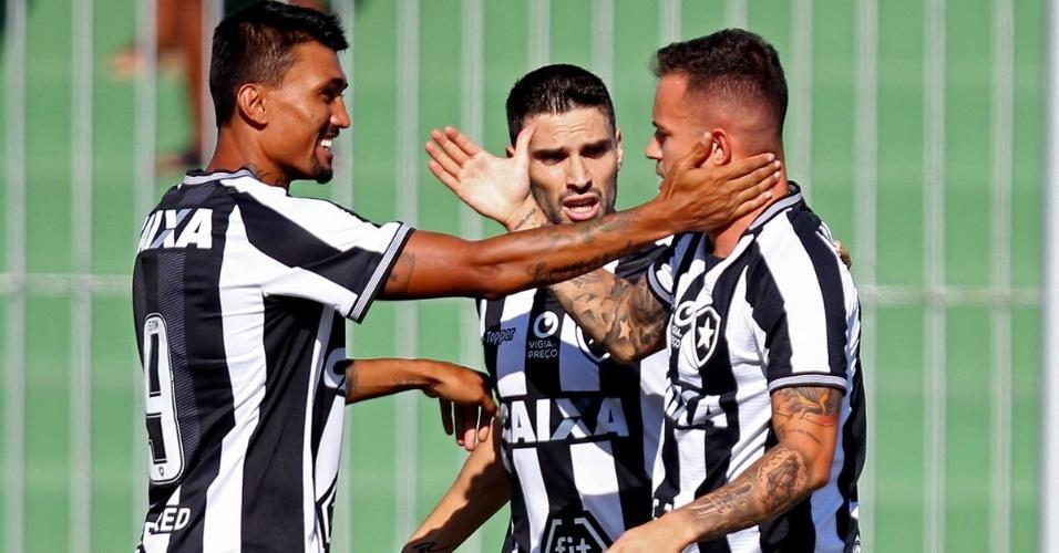 Torcida do Botafogo usa rivais e ator global em vídeo por Copa do ... 1e7e344e4af62