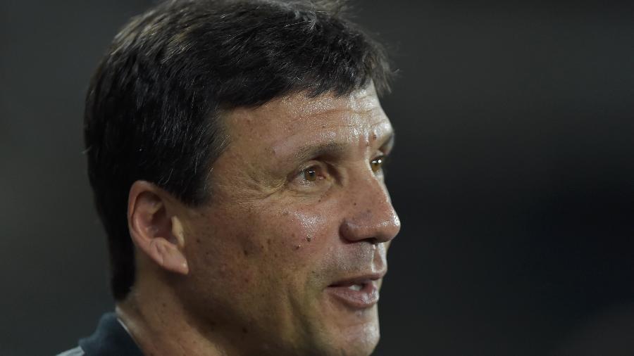 Zé Ricardo segue prestigiado no Botafogo mesmo após péssima campanha no Campeonato Carioca - Thiago Ribeiro/AGIF