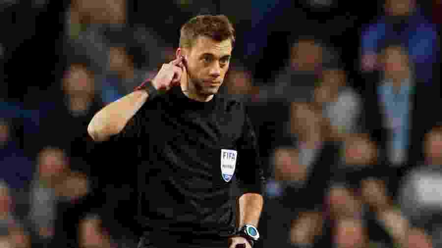 O árbitro Clement Turpin teve o nome usado por traficantes - REUTERS/Phil Noble