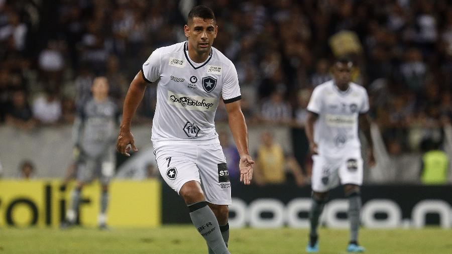 Diego Souza, ex-jogador do Botafogo, está perto de ser confirmado como reforço do Grêmio no mercado da bola - Vitor Silva/Botafogo