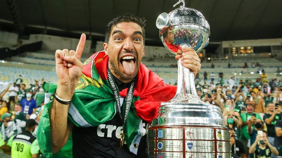 Abel Ferreira comemora o título da Copa Libertadores pelo Palmeiras - Staff Images/Conmebol