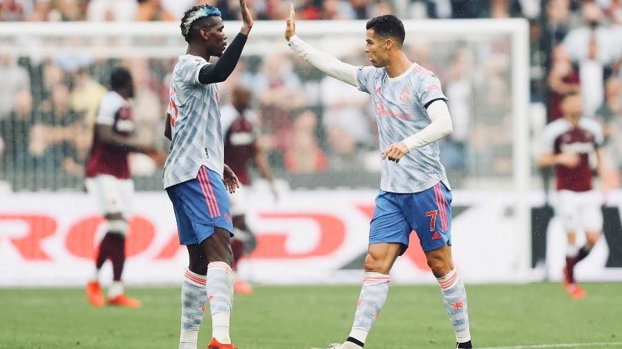 Pogba e Cristiano Ronaldo celebram gol do Manchester United contra o West Ham - Reprodução/Twitter @ManUtd