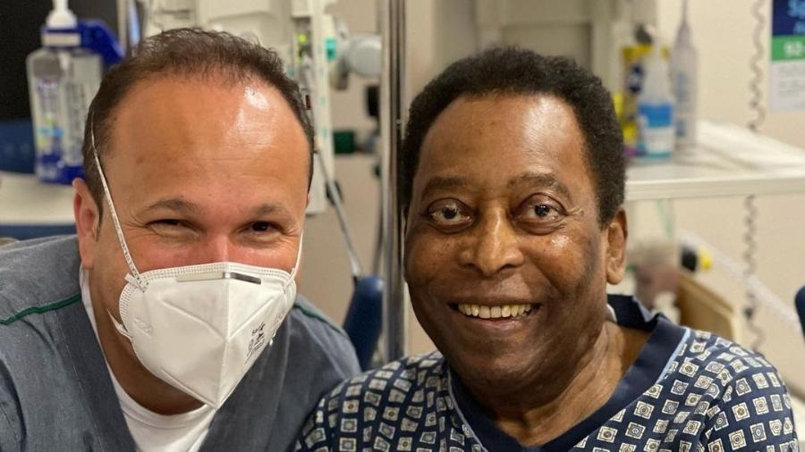 Pelé segue internado e em recuperação em um hospital em São Paulo - Instagram