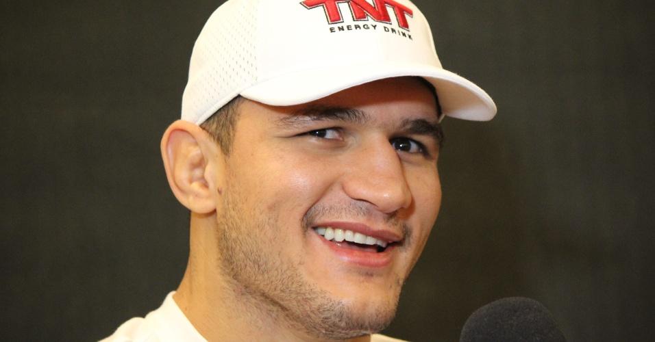 Junior Cigano dos Santos dá entrevista antes do UFC 160