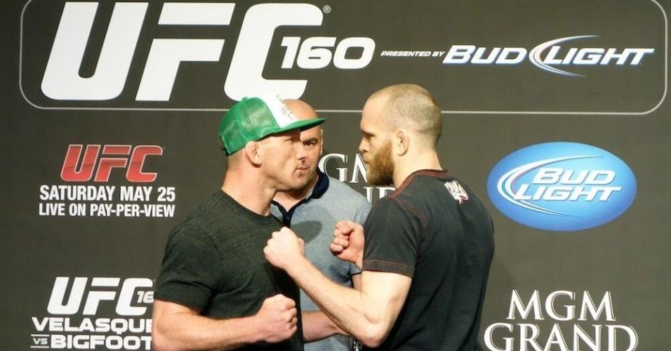 Maynard e Grant se encaram depois da entrevista no UFC 160
