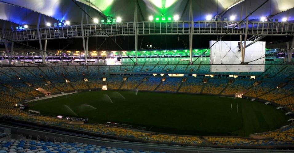 24/5/2013: Iluminação interna do Maracanã é capaz de criar mais de cem tonalidades de cores