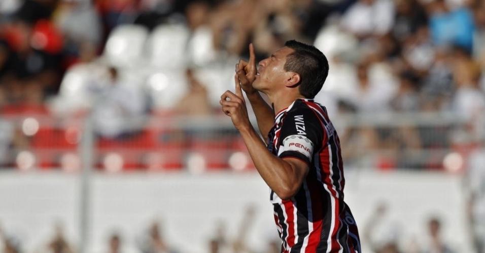 26.mai.2013 - Lucio comemora gol do São Paulo contra a Ponte Preta na primeira rodada do Brasileirão