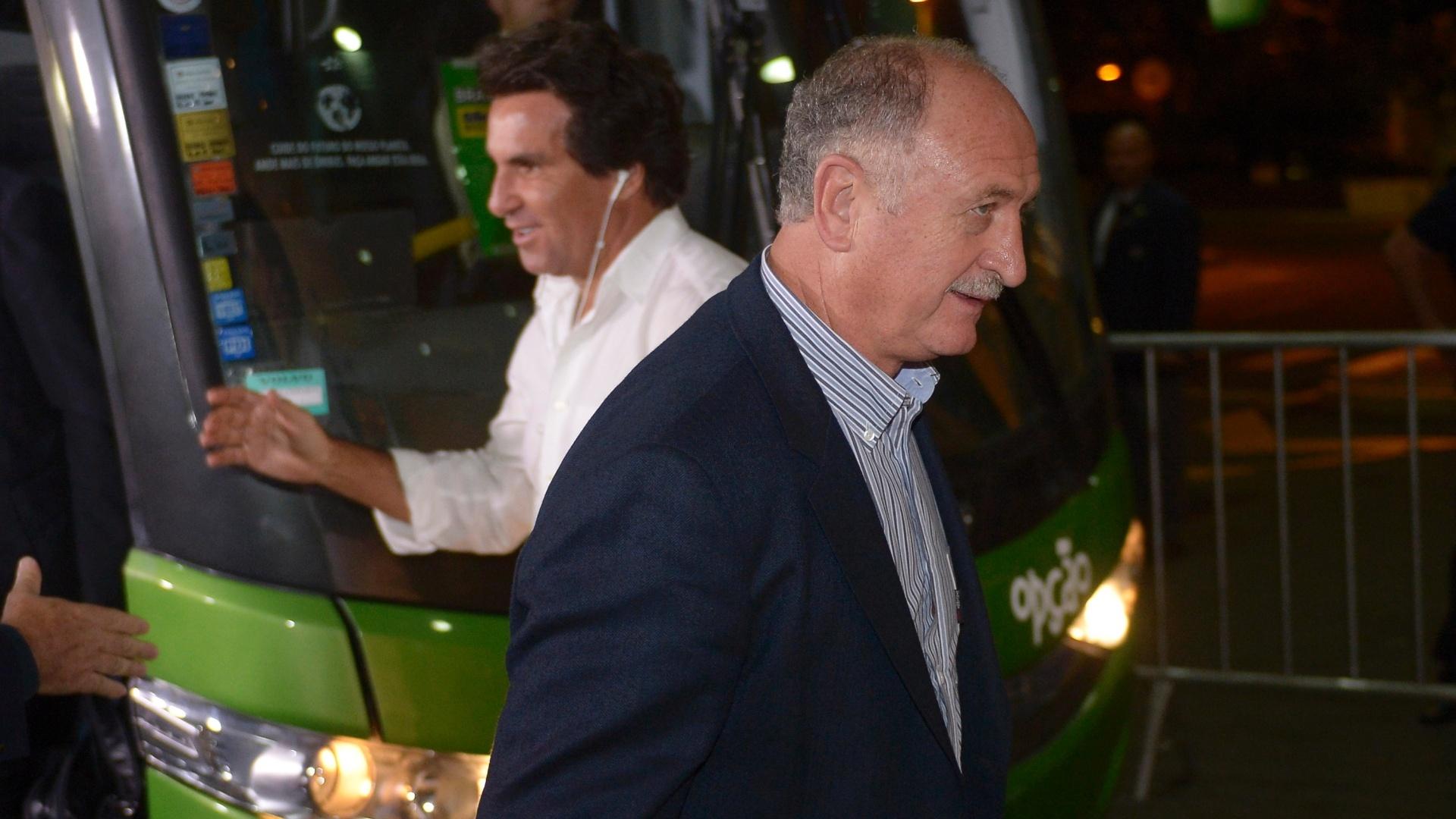 28.05.2013 - Luiz Felipe Scolari, técnico da seleção brasileira, chega à concentração do time no Rio de Janeiro, em São Conrado
