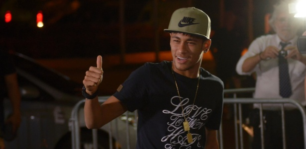 CBF confirma liberação de Neymar para que ele tenha
