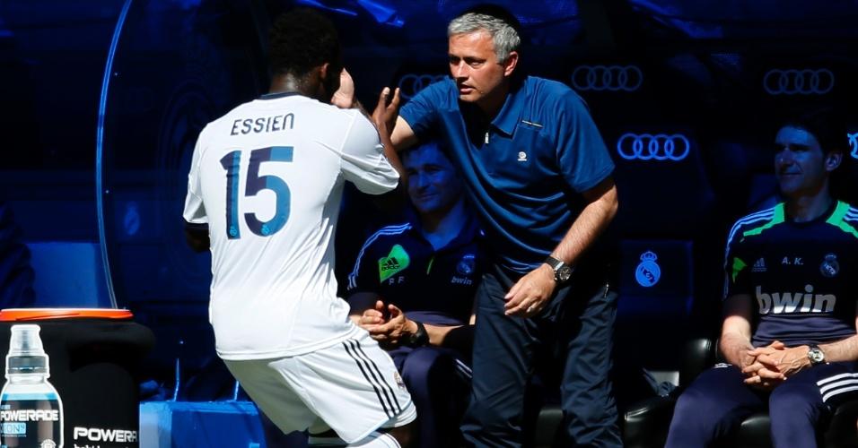 Autor de um dos gols da vitória do Real Madrid sobre o Osasuna por 4 a 2, Essien homenageou José Mourinho