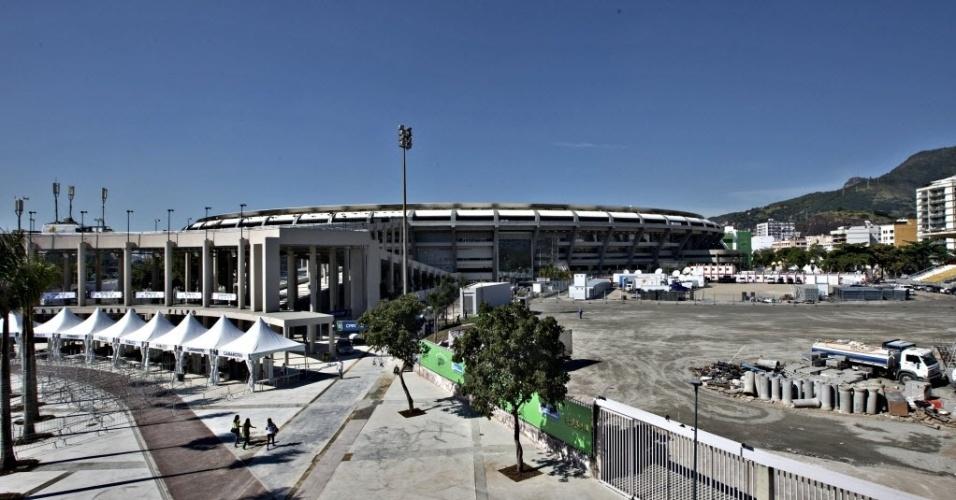 Maracanã ainda não está 100% pronto. Obras no entorno do estádio ainda necessitam de reparos. No entanto, o governador Sérgio Cabral informa que os requisitos de segurança do Maracanã estarão em perfeito funcionamento