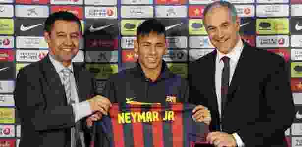 Grupo de investimento DIS afirma que Barça e família de Neymar falsificaram contratos - David Ramos/Getty Images
