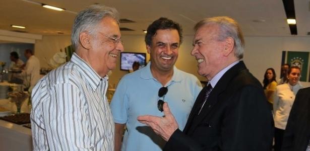 José Maria Marin, presidente da CBF, cumprimenta Fernando Henrique Cardoso e Aécio Neves durante o amistoso entre Brasil e Inglaterra, no Maracanã