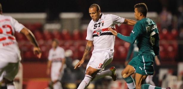 Luis Fabiano tem propostas para deixar o São Paulo - Fernando Donasci/UOL