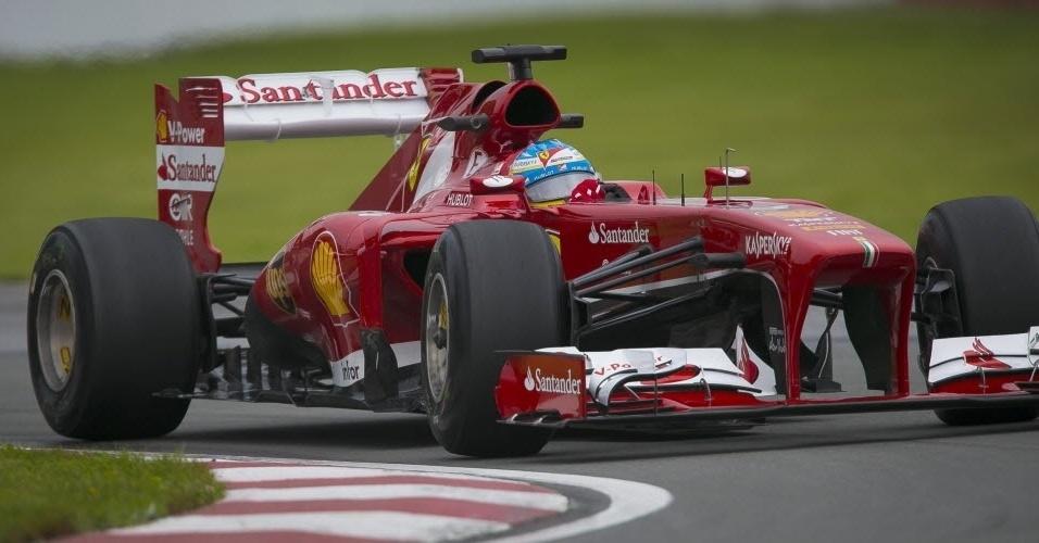 07.jun.2013 - Fernando Alonso superou Lewis Hamilton por apenas 12 milésimos no segundo treino e fez o melhor tempo da sexta-feira no Canadá