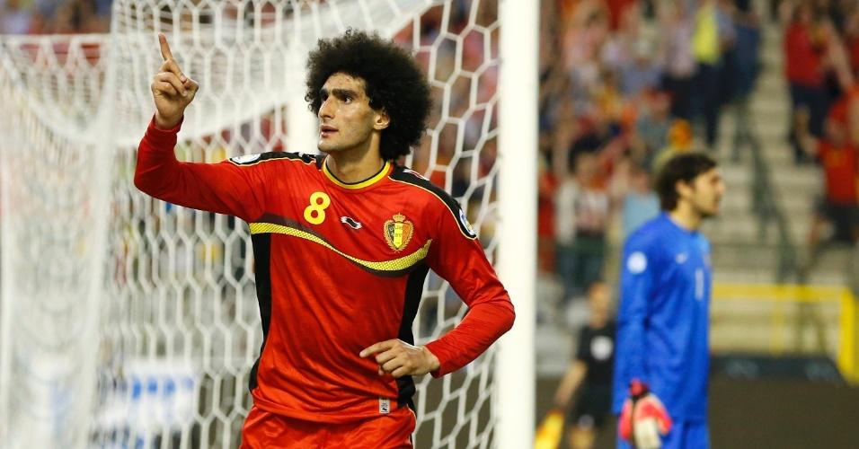 07.jun.2013 - Marouane Fellaini comemora gol da Bélgica sobre a Sérvia pelas Eliminatórias Europeias