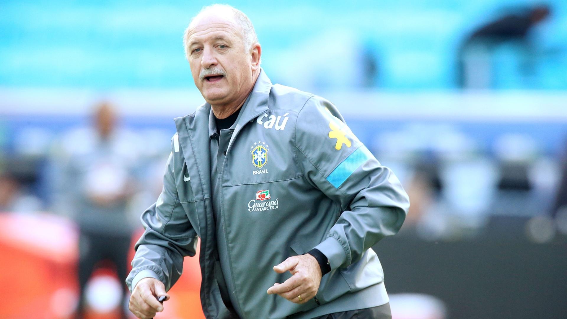 Técnico Felipão em treino da seleção brasileira em Porto Alegre