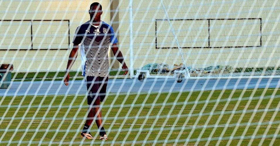 10.jun.2013 - Atacante Mrio Balotellli durante treino da seleção italiana para a Copa das Confederações no Engenhão