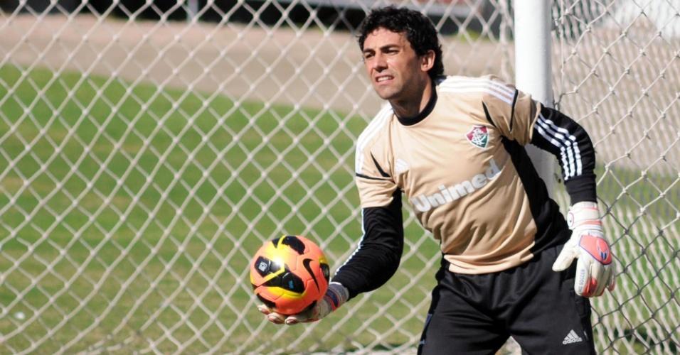 11.jun.2013 - Ricardo Berna completou 34 anos nesta terça-feira, mas escapou da tradicional ovada