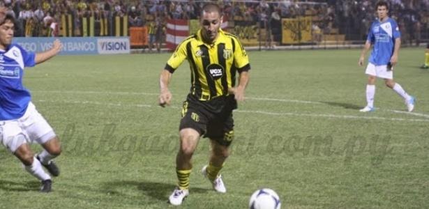 Volante Marcelo Palau do Guarani do Paraguai que estaria negociando com o Atlético-PR (11/06/2013)
