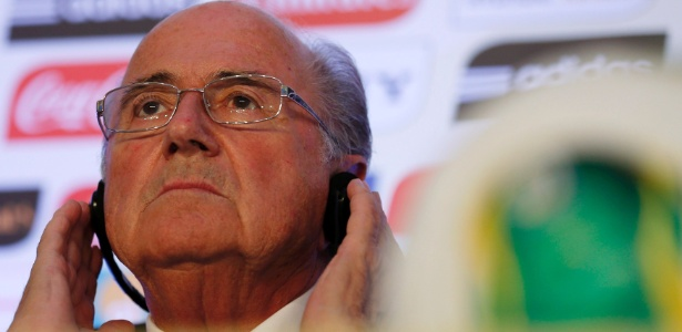 """Presidente da Fifa elogiou competição e disse que Brasil passou no """"teste"""" para a Copa do Mundo"""