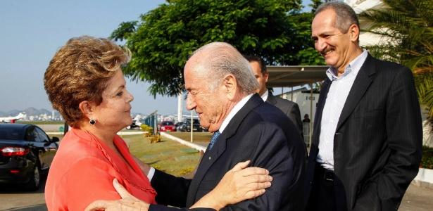 Dilma encontra Joseph Blatter, presidente da Fifa: até Forças Armadas contra os saques