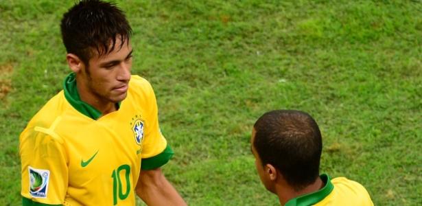 Lucas e Neymar jogaram juntos na seleção de base e principal