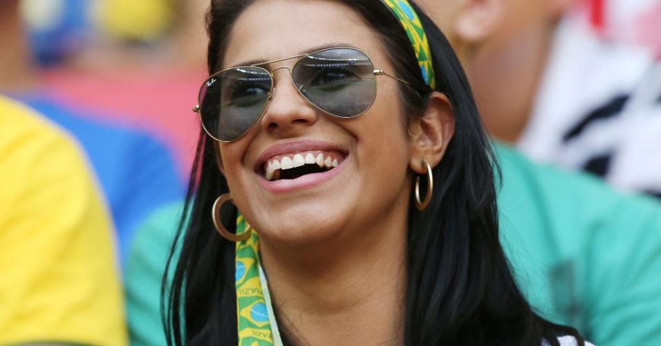 15.junho.2013 - Musas comparecem ao estádio Mané Garrincha