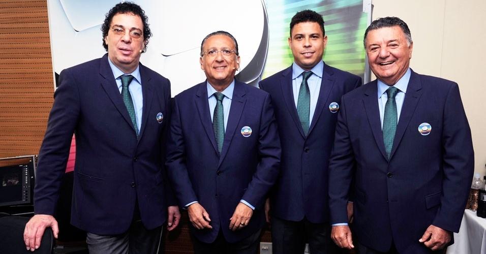 Quarteto de transmissão da Globo na Copa das Confederações: Casagrande, Galvão Bueno, Ronaldo e Arnaldo Cezar Coelho