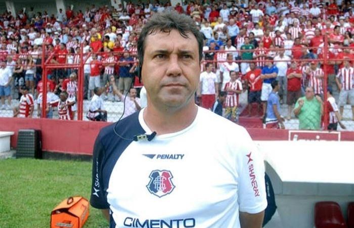 Técnico Zé Teodoro será o comandante do Náutico até dezembro de 2013 (Arquivo)