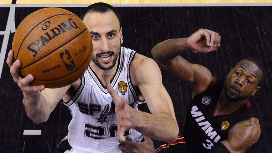 Manu Ginobili em ação pelo San Antonio Spurs - REUTERS/John G. Mabanglo
