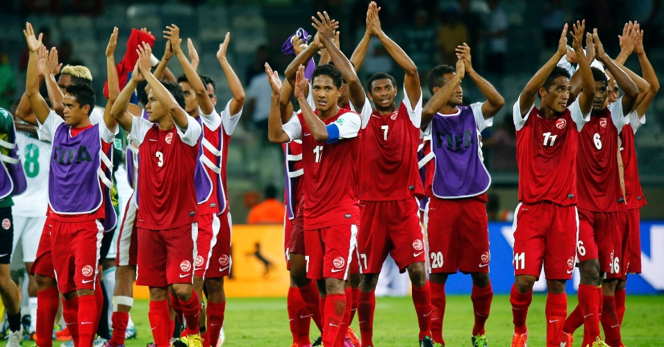 17.06.2013 - Taitianos se emocionam com apoio e creditam atuação aos fãs brasileiros