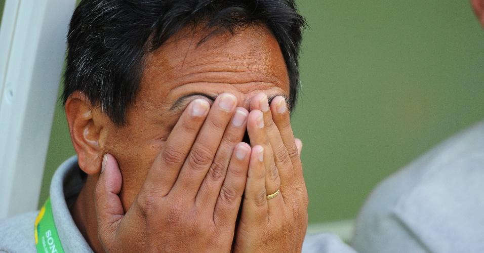 17.06.2013 - Treinador do Taiti, Eddy Etaeta, reage durante a estreia da sua equipe contra a Nigéria na Copa das Confederações