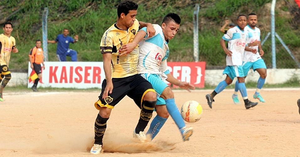 Leões Unidos (de amarelo), de Inácio Monteiro, empatou em 1 a 1 com o Ressaca, de Heliópolis, e acabou eliminado no saldo de gols