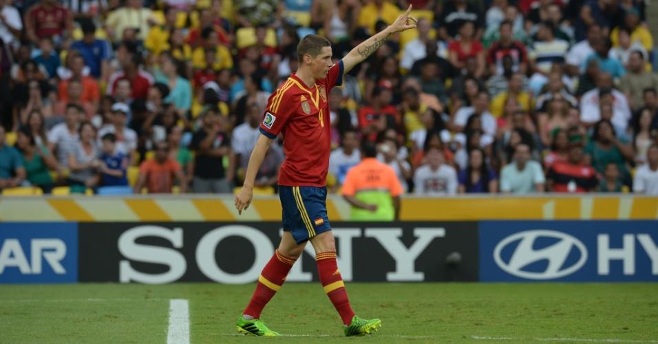 20.jun.2013 - Atacante Fernando Torres comemora o primeiro gol da Espanha na partida contra o Taiti, no Maracanã