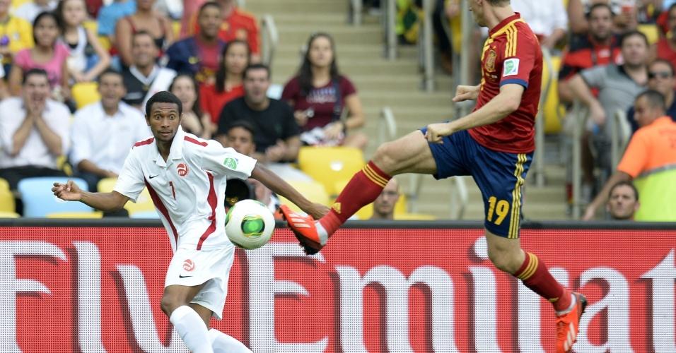 20.jun.2013 - Espanha e Taiti se enfrentam no Maracanã