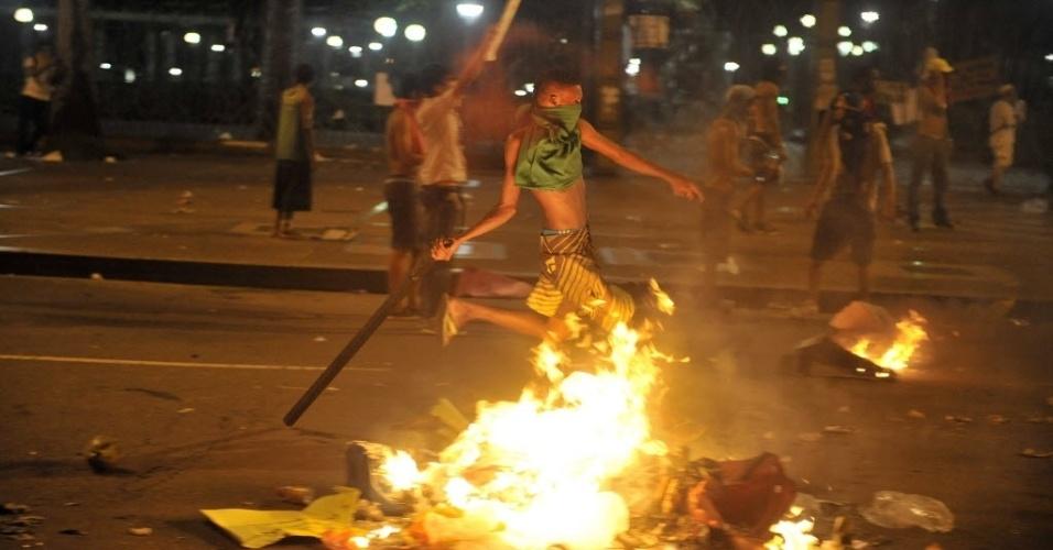 20.jun.2013 - Manifestantes e policiais entraram em confronto durante protesto em Salvador