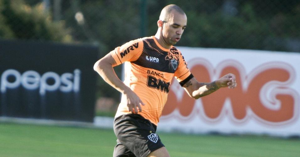 21 jun 2013 - Diego Tardelli durante treinamento do Atlético-MG na Cidade do Galo, em Vespasiano
