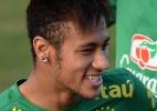 Salvador leva bandeirão ao Bonfim; promessa prevê caridade a cada gol do Brasil - Vagner Magalhães/UOL
