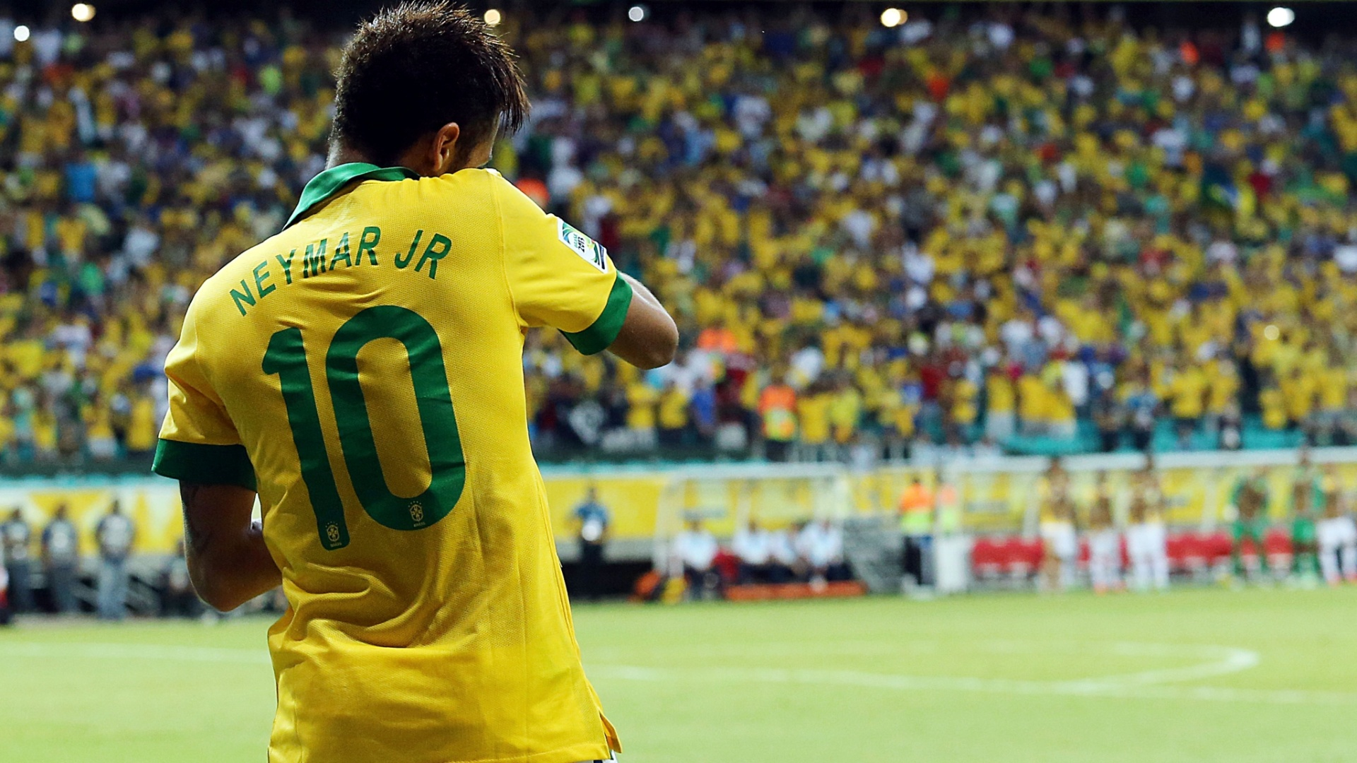 22.jun.2013 - Neymar dança após marcar gol do Brasil sobre a Itália na Arena Fonte Nova