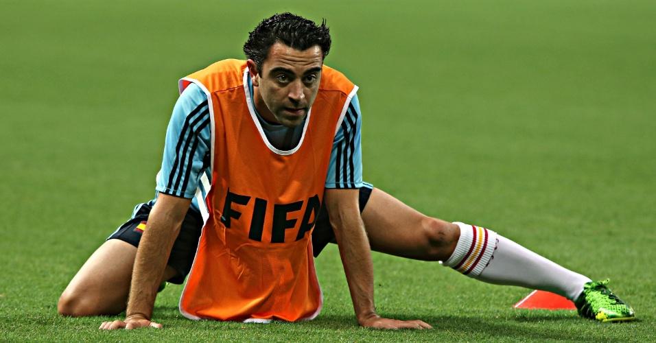 22.jun.2013 - Xavi é fotografado durante treino da Espanha no Castelão; time se prepara para enfrentar a Nigéria