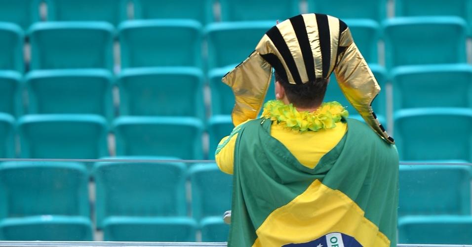 22.junho.2013 - Dentro do estádio, alguns torcedores brasileiros já fazem festa