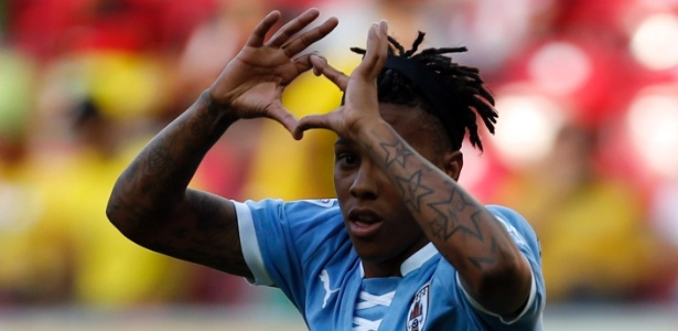 Abel Hernández, do Uruguai, disputa a segunda divisão do Campeonato Italiano