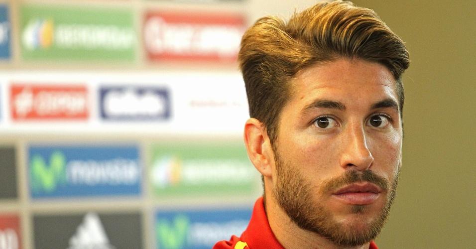 Espanhol Sergio Ramos evitou euforia para comentar a ausência de Balotteli na semifinal