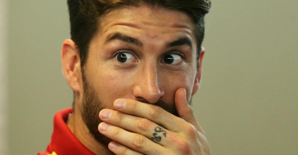 Espanhol Sergio Ramos se espanta em entrevista coletica da Espanha