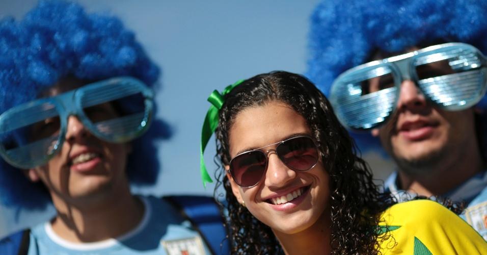 26.jun.2013 - Torcedores de Brasil e Uruguai chegam ao Mineirão para acompanhar a semifinal da Copa das Confederações
