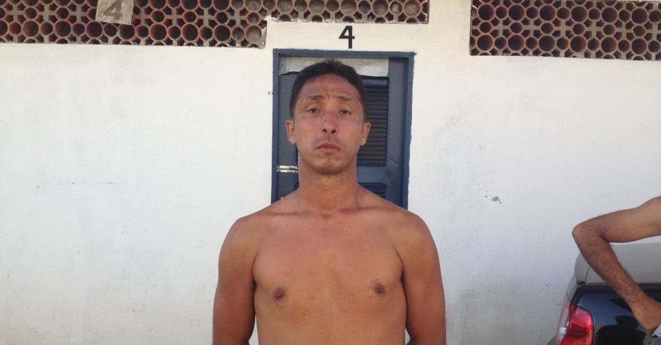27.06.13 - Fernando Lennon, morador do condomínio, reclamou da ação policial