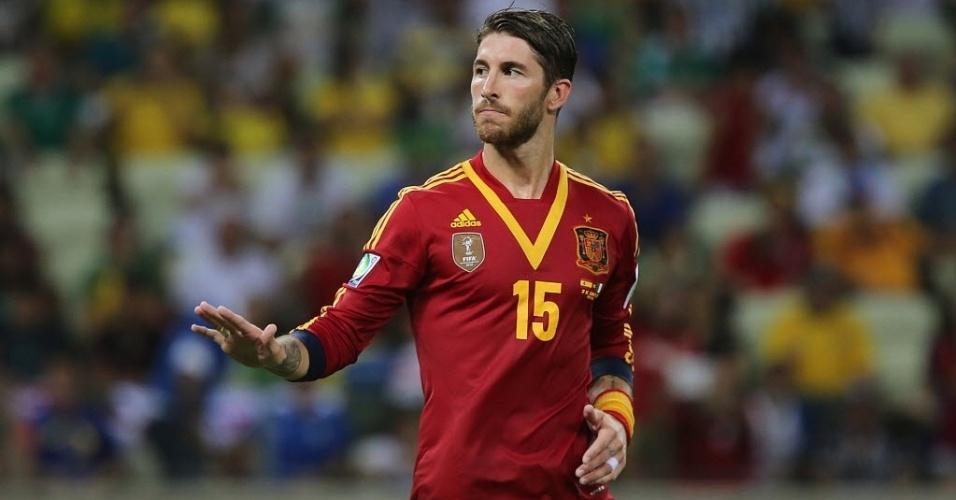 27.jun.2013 - Sergio Ramos comemora a vitória sobre a Itália nos pênaltis e a classificação para a final da Copa das Confederações
