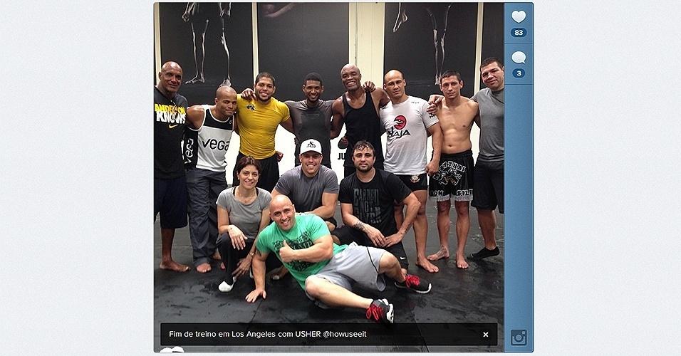 A dez dias de enfrentar Chris Weidman no UFC 162, Anderson Silva treina com cantor norte-americano Usher em sua academia em Los Angeles
