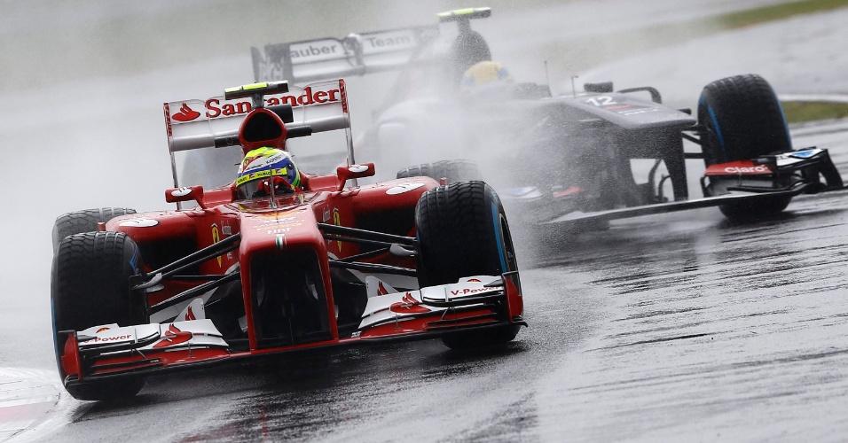 28.jun.2013 - Felipe Massa tenta marcar uma volta rápida nos treinos livres para o GP da Inglaterra